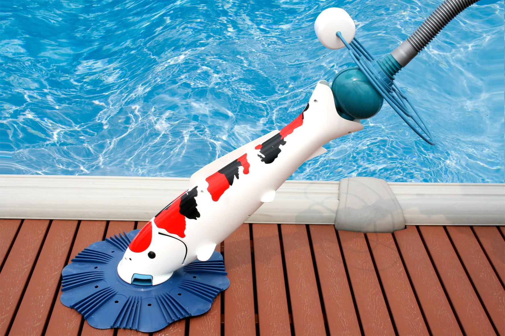Hiện đại với thiết bị robot vệ sinh hồ bơi