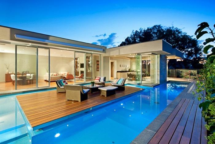 Hồ bơi tạo nên đẳng cấp 5 sao cho ngôi nhà của bạn.