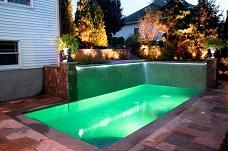 Trang trí xung quanh bể bơi